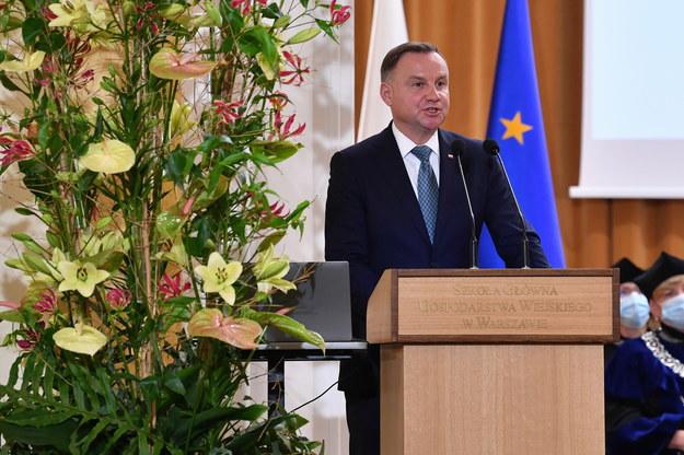 Prezydent Andrzej Duda podczas uroczystej inauguracji roku akademickiego 2021/2022 /Radek Pietruszka /PAP