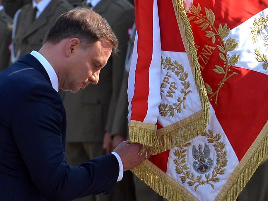Prezydent Andrzej Duda podczas uroczystości przejęcia zwierzchnictwa nad Siłami Zbrojnymi /Marcin Obara /PAP
