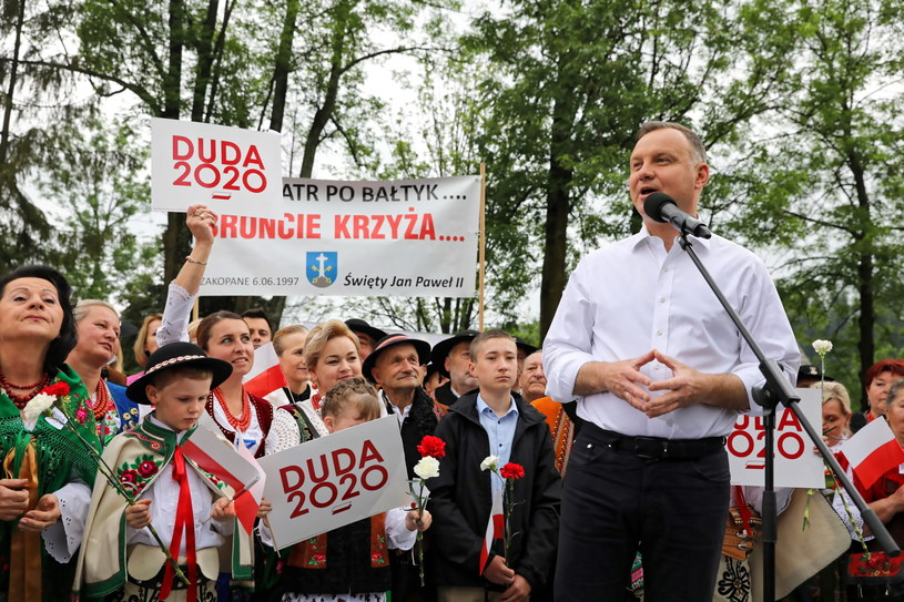 Prezydent Andrzej Duda podczas wiecu wyborczego w Poroninie / Grzegorz Momot    /PAP
