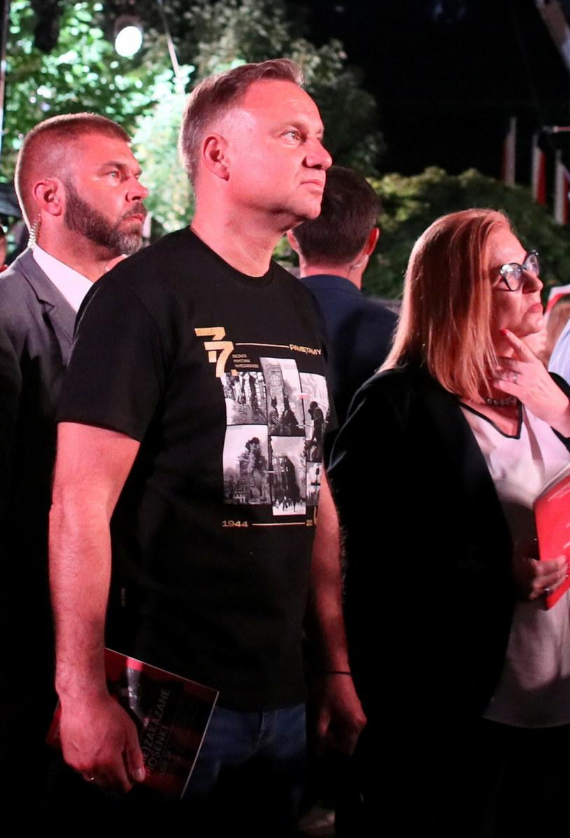 Prezydent Andrzej Duda podczas wspólnego śpiewania powstańczych piosenek /Piotr Molecki /East News