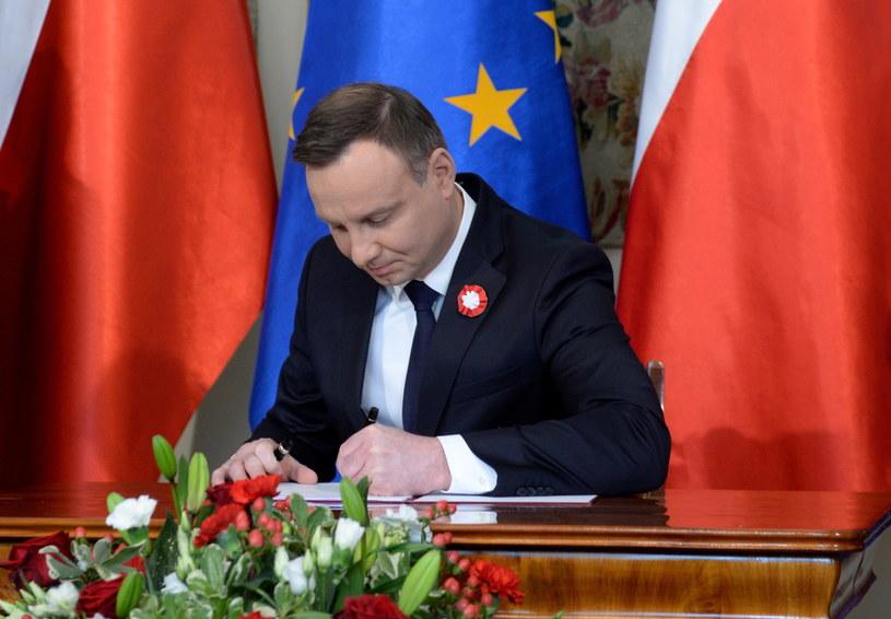 Prezydent Andrzej Duda podpisał ustawę /Jacek Turczyk /PAP