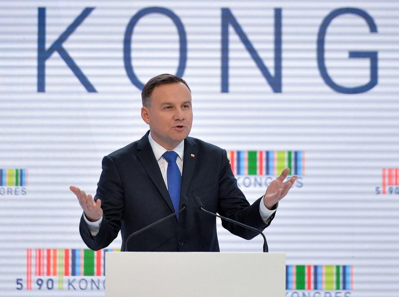 Prezydent Andrzej Duda przemawia podczas Kongresu 590 /Darek Delmanowicz /PAP