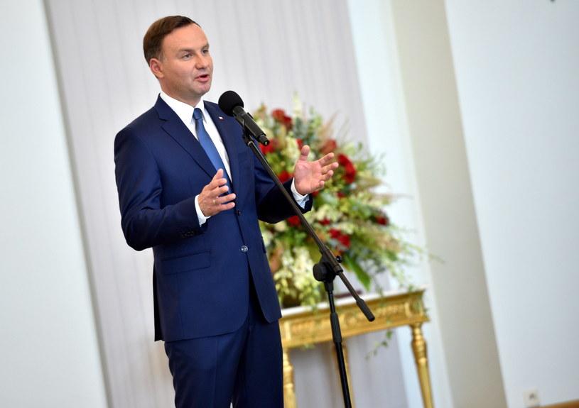 Prezydent Andrzej Duda przemawia podczas uroczystości powołania członków Kancelarii Prezydenta RP /Jacek Turczyk /PAP