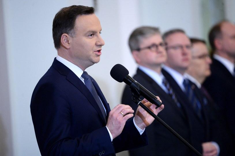 Prezydent Andrzej Duda przemawia podczas zaprzysiężenia Juli Przyłębskiej na sędziego Trybunału Konstytucyjnego /Jacek Turczyk /PAP