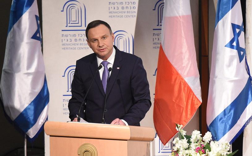 Prezydent Andrzej Duda przemawia w Centrum im. Menachema Begina w Jerozolimie /Radek Pietruszka /PAP
