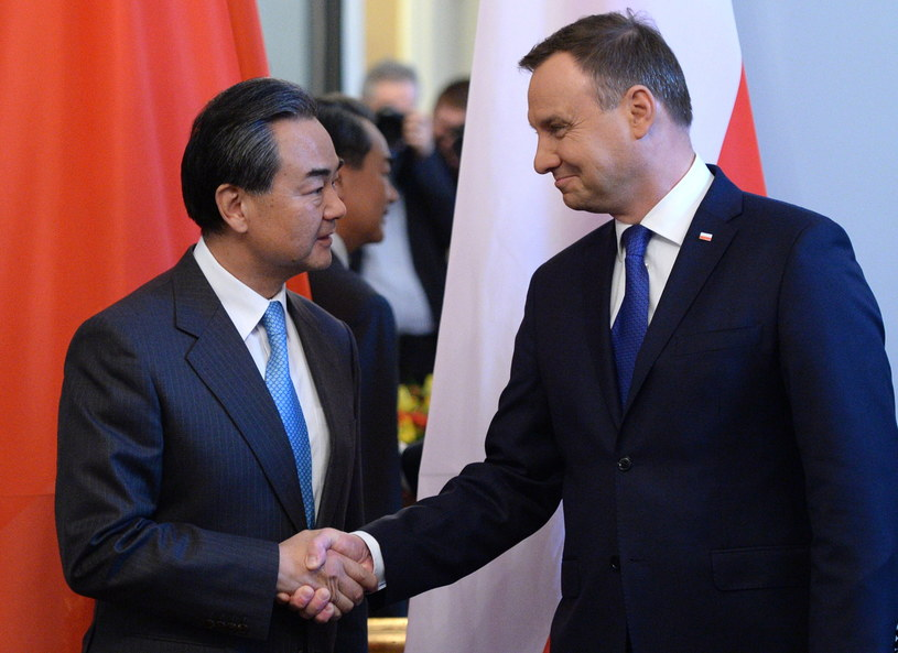 Prezydent Andrzej Duda spotkał się z szefem chińskiej dyplomacji /Jacek Turczyk /PAP
