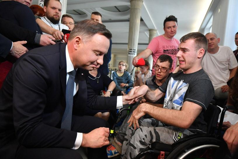 Prezydent Andrzej Duda  spotkał się z uczestnikami protestu rodziców osób niepełnosprawnych w Sejmie, /Bartłomej Zborowski /PAP