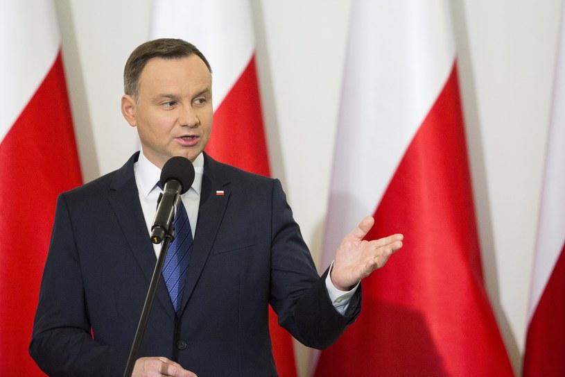 """Prezydent Andrzej Duda """"twardo walczy żeby warunki dla Polaków, którzy przebywają na Wyspach Brytyjskich były zachowane"""" /Andrzej Hulimka  /Reporter"""