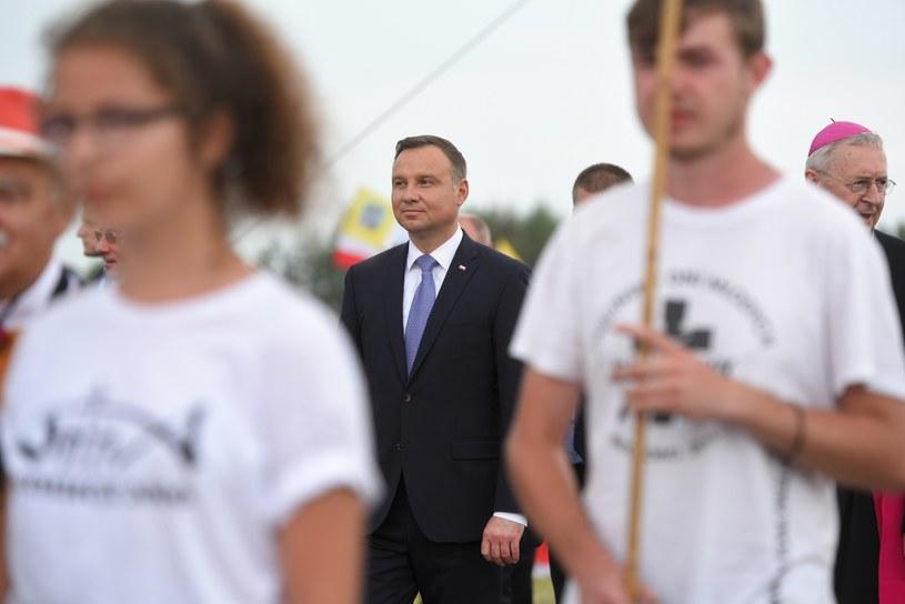 Prezydent Andrzej Duda uczestniczy w rozpoczęciu spotkania na Polach Lednickich /Jakub Kaczmarczyk /PAP