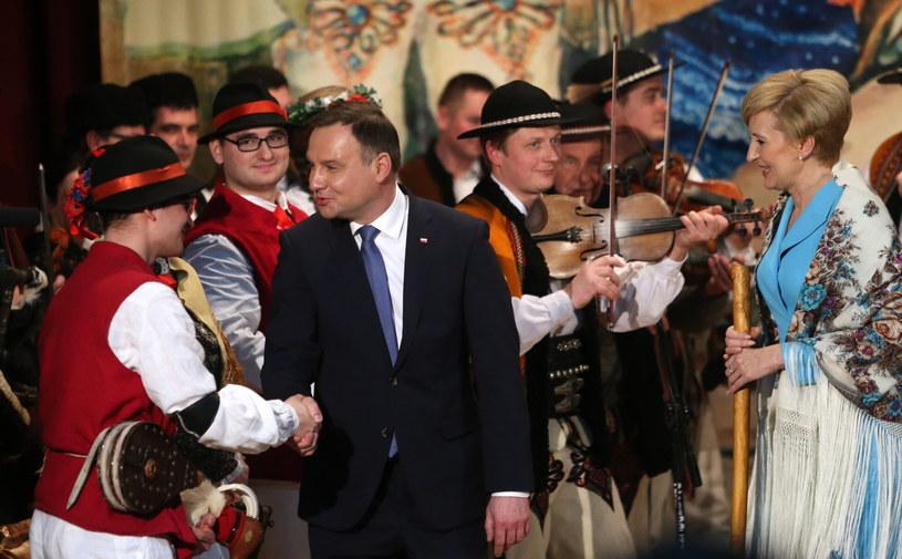 Prezydent Andrzej Duda z żoną Agatą Kornhauser-Dudą /Grzegorz Momot /PAP