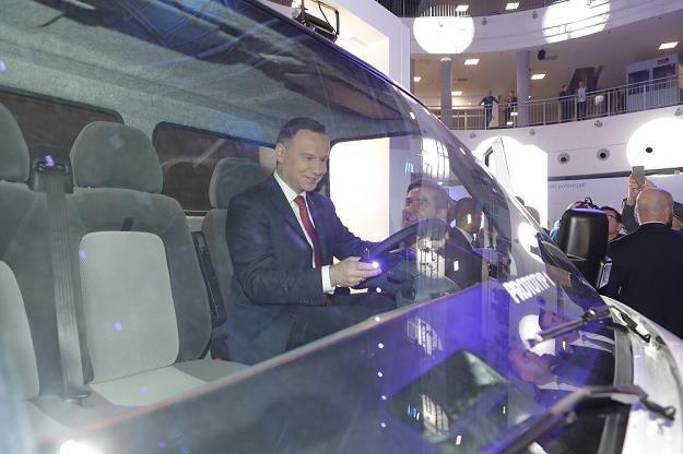 Prezydent Andrzej Duda za kierownicą ELVI /Informacja prasowa
