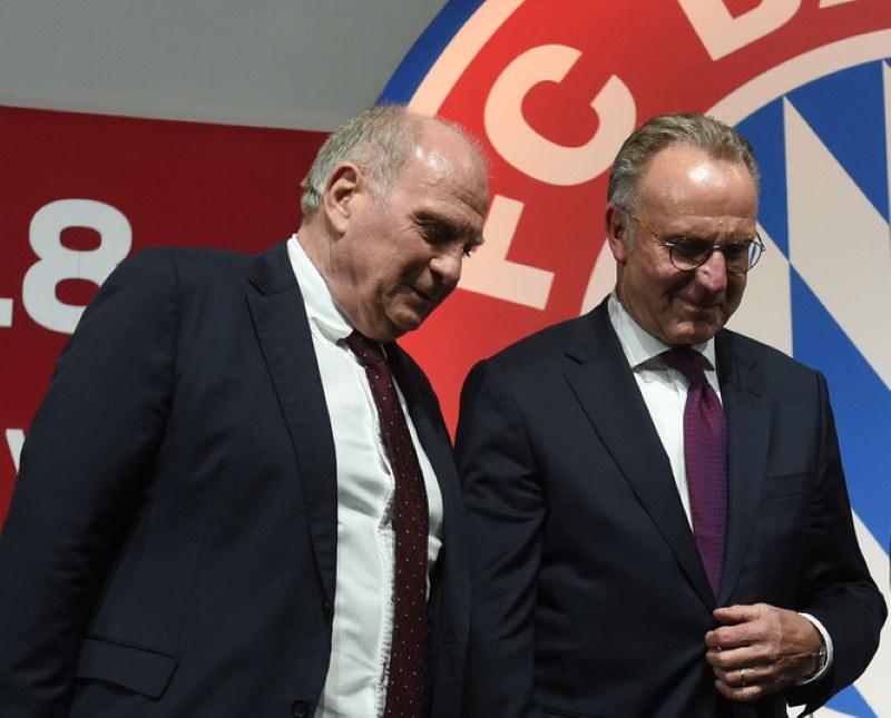 Prezydent Bayernu Uli Hoeness (z lewej) i dyrektor generalny Karl-Heinz Rummenigge /AFP