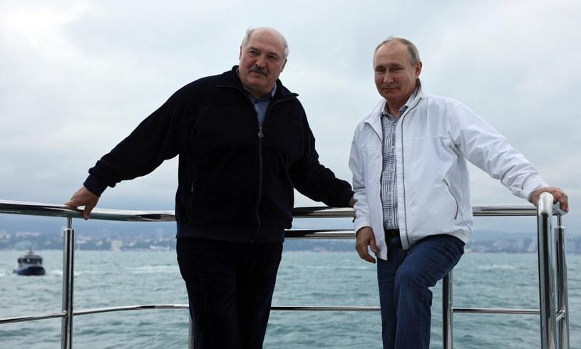 Prezydent Białorusi Alaksandr Łukaszenka i głowa rosyjskiego państwa Władimir Putin. /EPA/SERGEI ILYIN/SPUTNIK/KREMLIN POOL /PAP