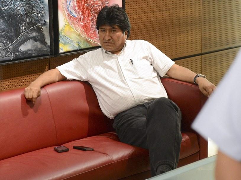 Prezydent Boliwii Evo Morales oczekujący na lotnisku w Wiedniu /PAP/EPA