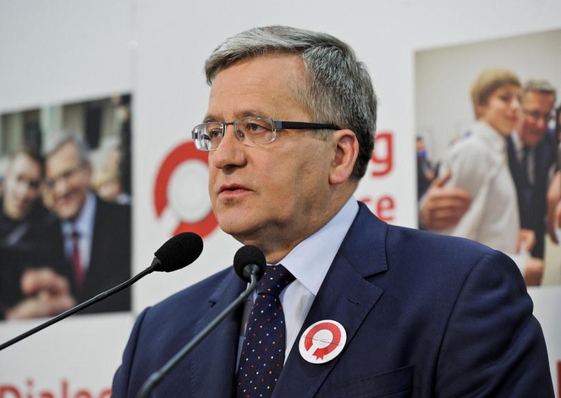Prezydent Bronisław Komorowski podczas konferencji prasowej /Marcin Obara /PAP
