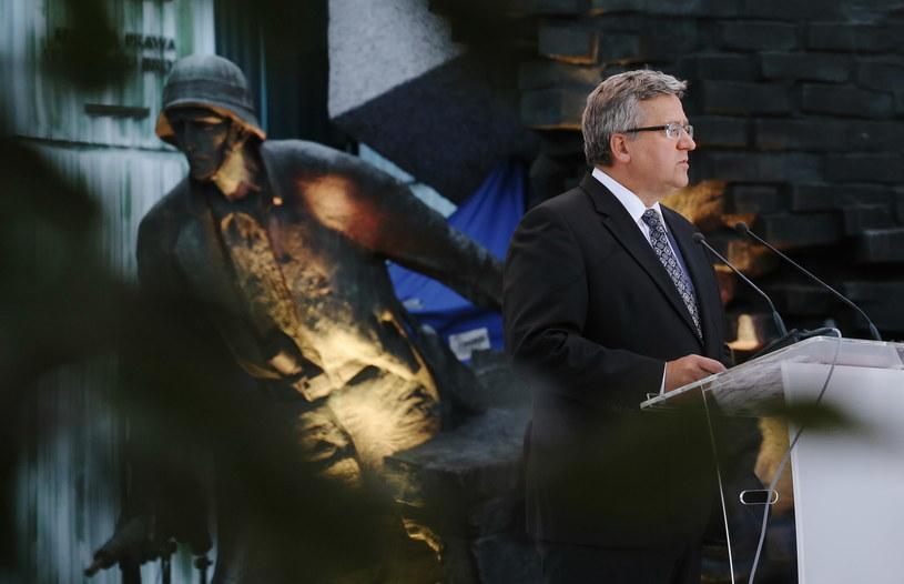 Prezydent Bronisław Komorowski podczas mszy polowej /Paweł Supernak /PAP