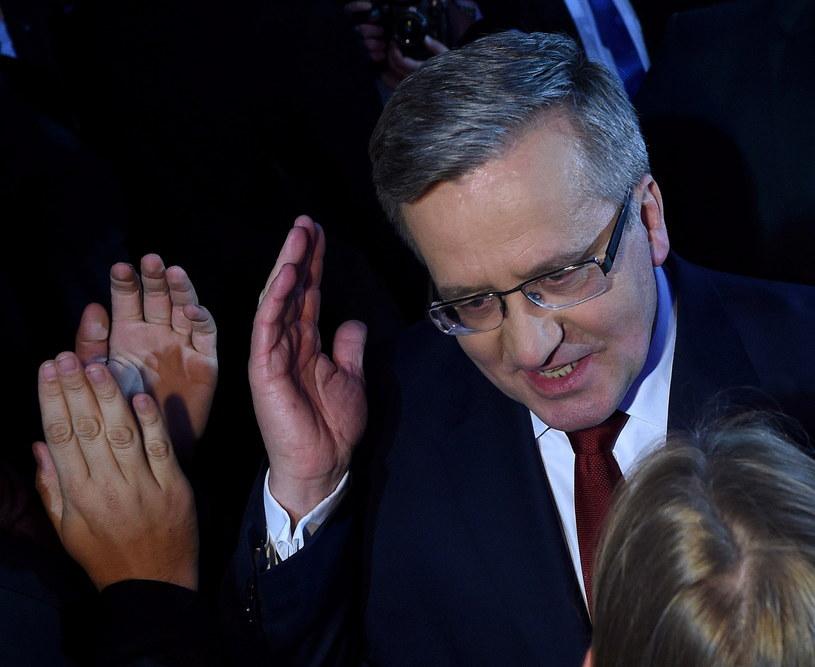Prezydent Bronisław Komorowski podczas wieczoru wyborczego /Radek Pietruszka /PAP