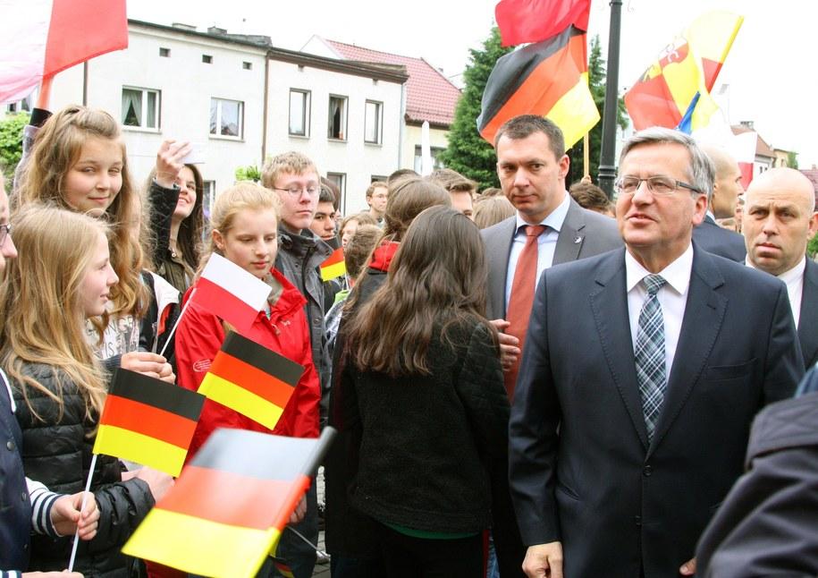 Prezydent Bronisław Komorowski spotkał się z mniejszością niemiecką podczas wizyty w Prószkowie / Krzysztof Świderski   (PAP) /PAP