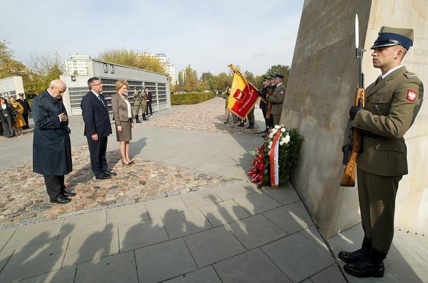 Prezydent Bronisław Komorowski w Parku Ocalałych /fot. Grzegorz Michałowski /PAP