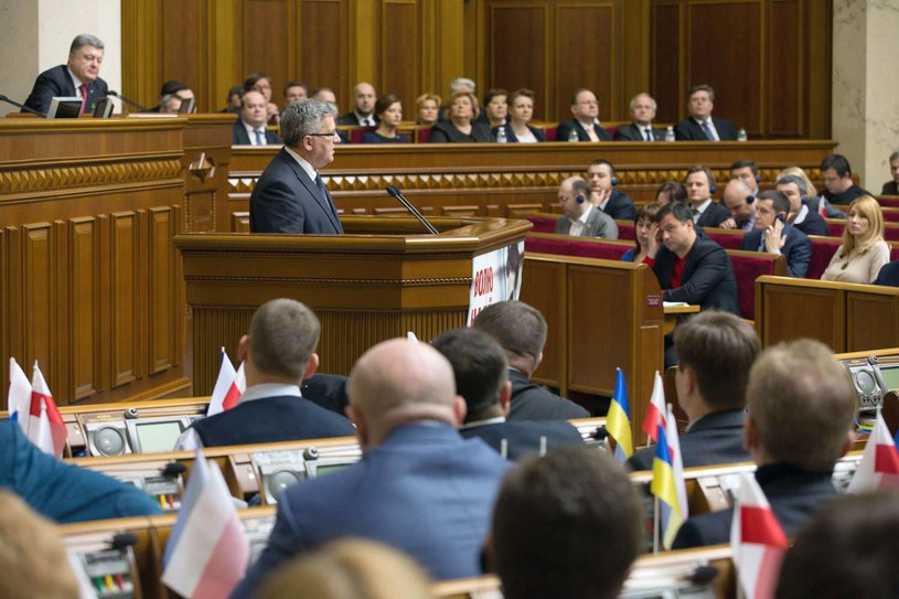 Prezydent Bronisław Komorowski w ukraińskim parlamencie /AFP