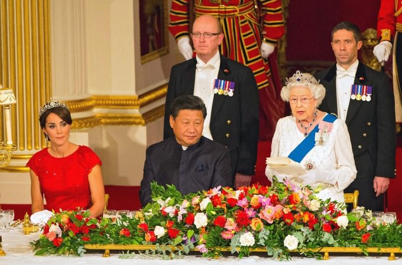 Prezydent Chin Xi Jinping i brytyjska królowa i Elżbieta II /Dominic Lipinski   /PAP/EPA