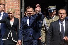 Prezydent Duda w drodze na Zamek Królewski
