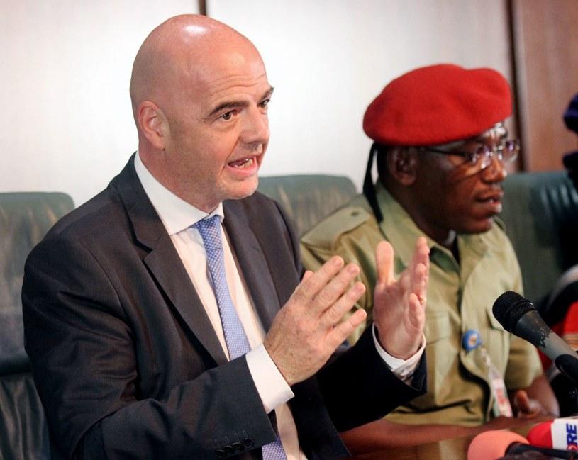 Prezydent FIFA Gianni Infantino i minister sportu Nigerii Solomon Dalong. /AFP