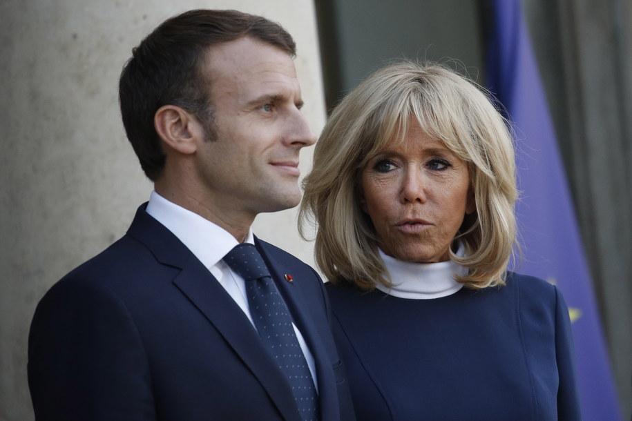 Prezydent Francji Emmanuel Macron wraz z żoną Brigitte. /YOAN VALAT  /PAP/EPA