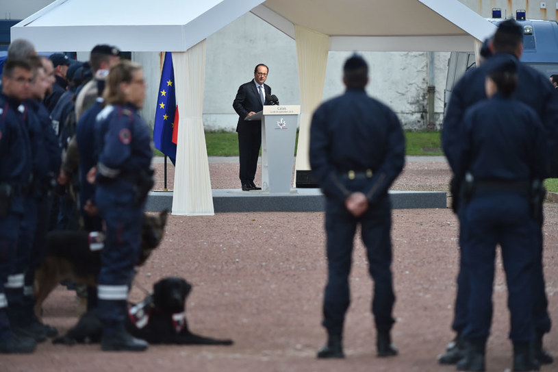 Prezydent Francji Francois Hollande w Calais /AFP