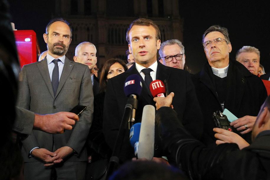 Prezydent Francji przybył na miejsce tragedii /PHILIPPE WOJAZER / POOL /PAP/EPA