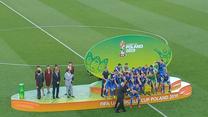 Prezydent Infantino wręcza Ukrainie Puchar Świata za zwycięstwo w MŚ U-20. Wideo