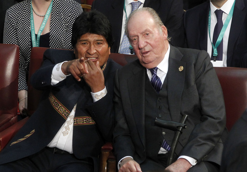 Prezydent Juan Evo Morales (po lewej) /Claudio Reyes /AFP