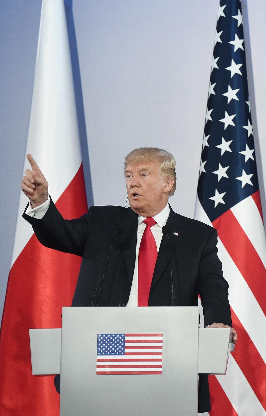 """Prezydent ma powiedzieć, że """"historia Polski jest historią narodu, który nigdy nie stracił nadziei"""" /Radek Pietruszka /PAP"""
