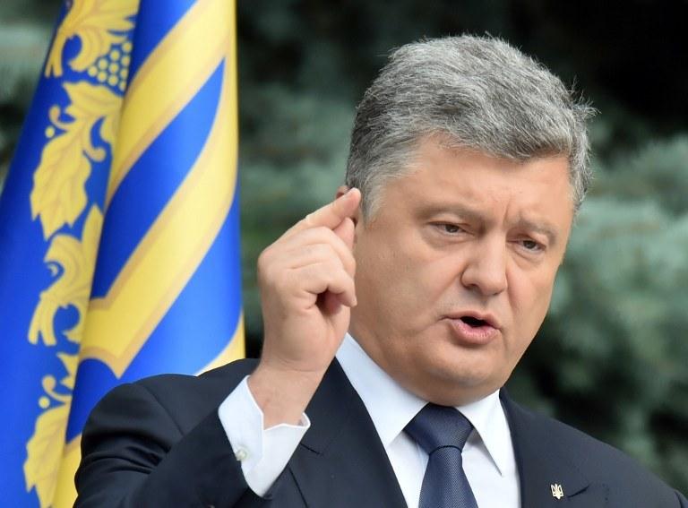Prezydent Petro Poroszenko wyraził przekonanie, że tym razem deputowani przyjmą zmiany niezbędne do liberalizacji obowiązku wizowego. /AFP