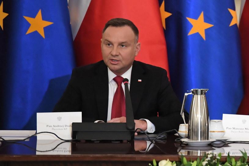 Prezydent podczas posiedzenia Rady Gabinetowej / Radek Pietruszka   /PAP