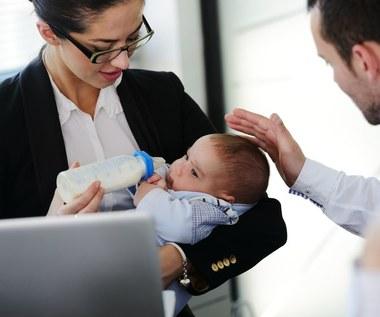 """Prezydent podpisał ustawę o """"trzynastkach"""" dla matek na macierzyńskim"""