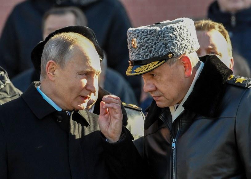 Prezydent Rosji Władimir Putin i minister obrony Siergiej Szojgu /AFP