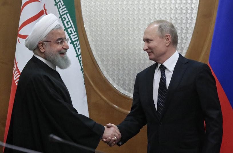 Prezydent Rosji Władimir Putin i prezydent Iranu Hassan Rouhani /SERGEI CHIRIKOV/POOL /AFP