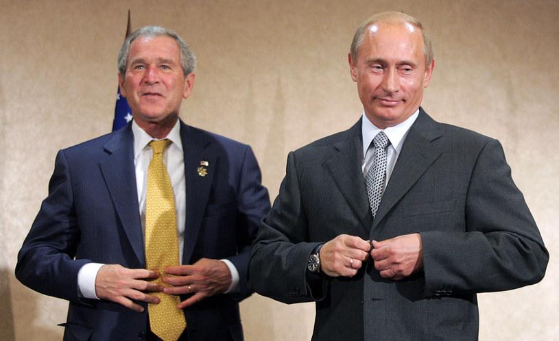 Prezydent Rosji Władimir Putin i prezydent USA George W. Bush /ALEXANDER NEMENOV / AFP /AFP