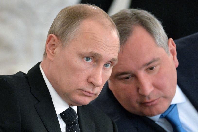 Prezydent Rosji Władimir Putin i wicepremier Dmitrij Rogozin /AFP