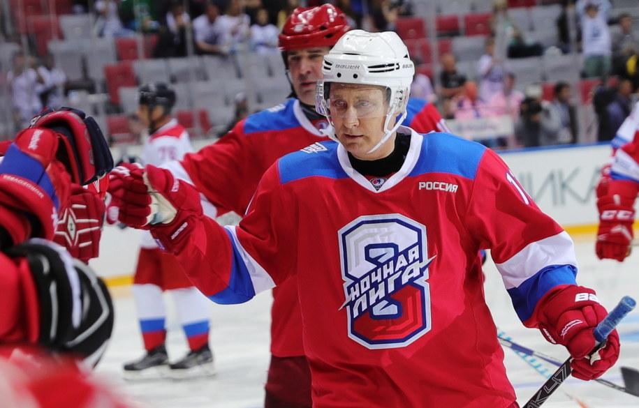 Prezydent Rosji znów pochwalił się swoimi sportowymi umiejętnościami /EPA/MICHAEL KLIMENTYEV/SPUTNIK/KREMLIN POOL /PAP