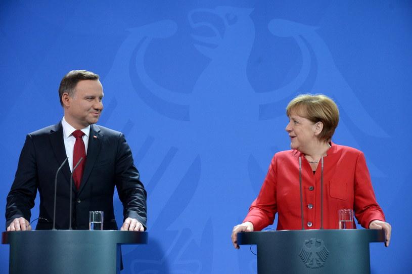 Prezydent RP Andrzej Duda i kanclerz Niemiec Angela Merkel, podczas oświadczenia dla mediów, przed spotkaniem w Berlinie /Jacek Turczyk /PAP