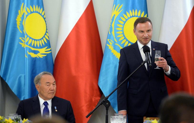 Prezydent RP Andrzej Duda i prezydent Kazachstanu Nursułtan Nazarbajew, podczas uroczystego obiadu w Pałacu Prezydenckim w Warszawie /Jacek Turczyk /PAP
