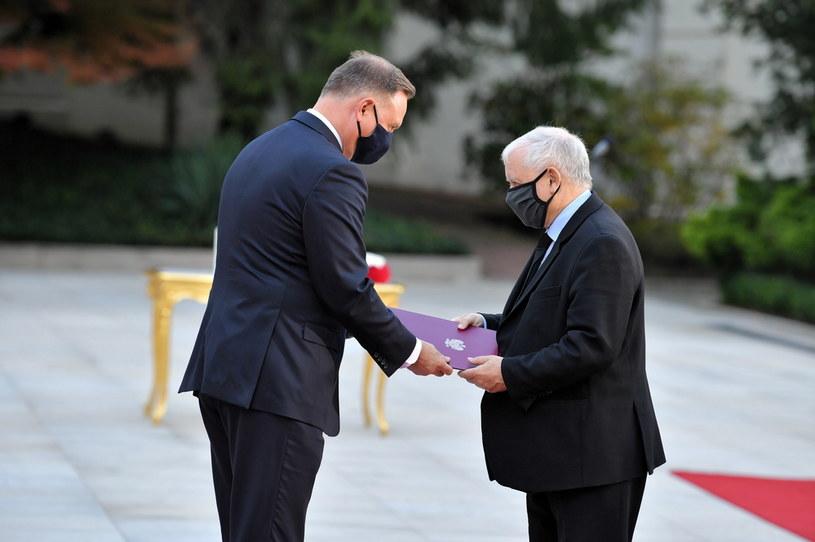 Prezydent RP Andrzej Duda (L) oraz nowo powołany na stanowisko wicepremiera Jarosław Kaczyński (P) podczas uroczystości w Pałacu Prezydenckim w Warszawie / Radek Pietruszka   /PAP