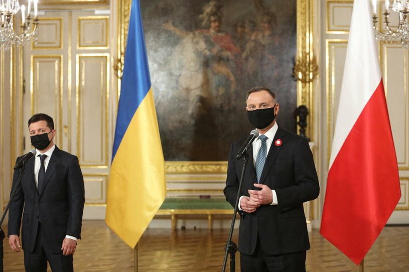 Prezydent RP Andrzej Duda oraz prezydent Ukrainy Wołodymyr Zełenski podczas konferencji prasowej po zakończeniu spotkania na Zamku Królewskim w Warszawie / Leszek Szymański    /PAP