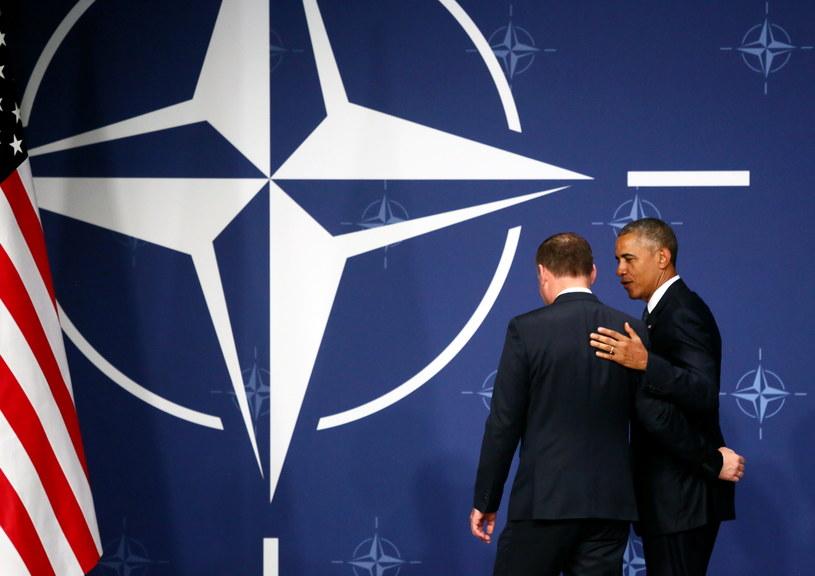 Prezydent RP Andrzej Duda oraz prezydent USA Barack Obama po wspólnym oświadczeniu, wydanym po spotkaniu na stadionie PGE Narodowy w Warszawie /Leszek Szymański /PAP