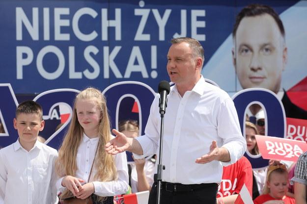 Prezydent RP Andrzej Duda podczas spotkania z mieszkańcami we wsi Gózd /Paweł Supernak /PAP