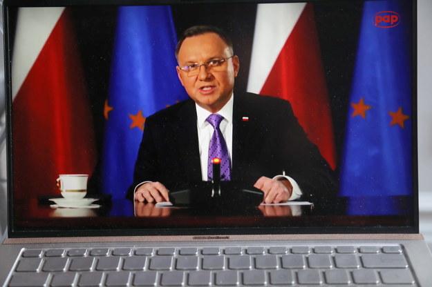 Prezydent RP Andrzej Duda podczas transmisji obrad Szczytu Klimatycznego /Wojciech Olkuśnik /PAP