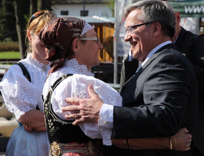 Prezydent RP Bronisław Komorowski podczas spotkania ze społecznością lokalną w Wiśle /Andrzej Grygiel /PAP