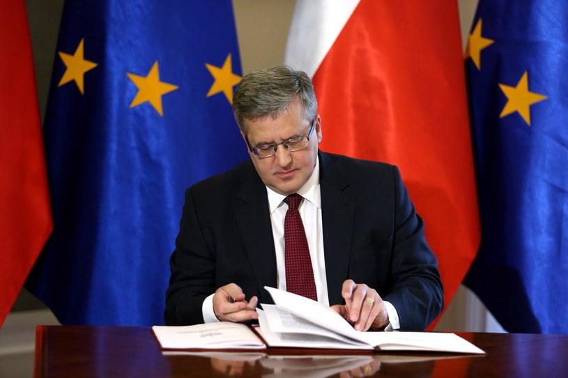 Prezydent RP Bronisław Komorowski, podczas uroczystości zatwierdzenia Strategii Bezpieczeństwa Narodowego RP /Tomasz Gzell /PAP